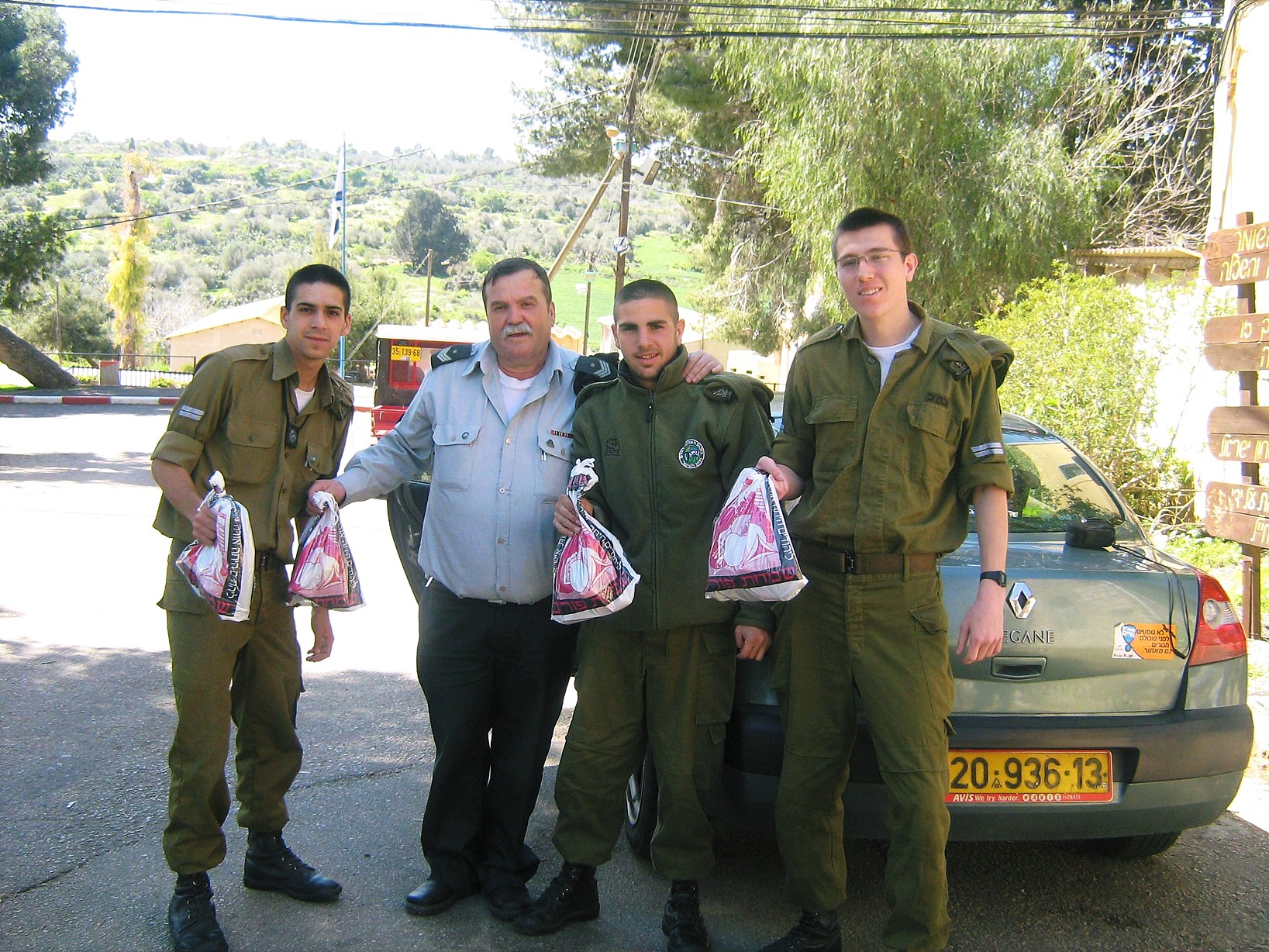 soldiers with mishloach manot