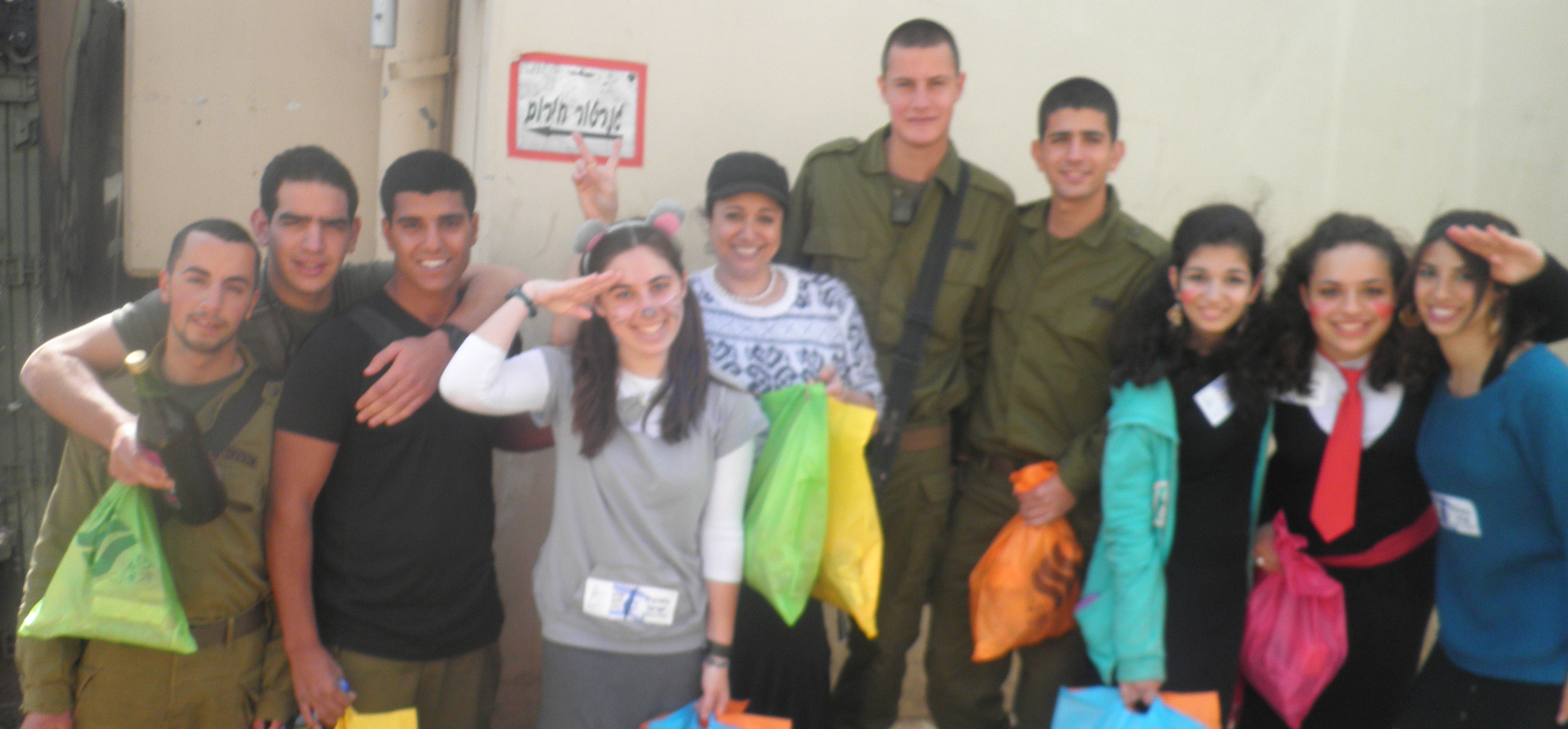 Volunteers with Soldiers