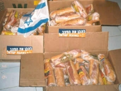 Sandwiches for soldiers